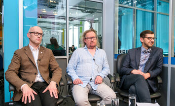 Rīgas vadība jānomaina līdz saknēm – diskutē par Bondara 'Delfi TV ar Jāni Domburu' solīto
