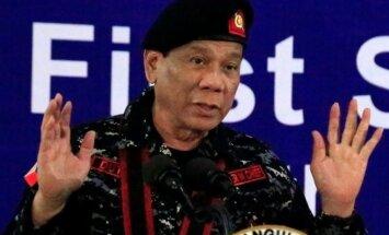 Duterte dod atļauju armijai nošaut sevi, ja kļūs par diktatoru
