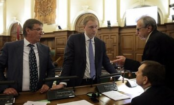 Место Домбровcкого в Сейме занял Валайнис: сегодня дал присягу депутата