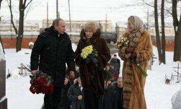 """Собчак крестилась в детстве """"за три жвачки"""" и в присутствии Путина"""
