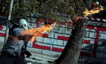Balkānu valstu anarhisti iesaistās sadursmēs ar Grieķijas policiju