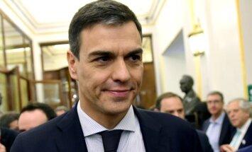 Sociālists Sančess nomet Spānijas konservatīvo līderi Rahoju