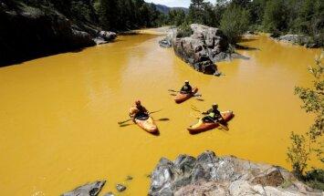 Toksisku notekūdeņu dēļ upe ASV kļuvusi dzeltena