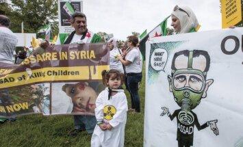 Sīrijai ir ap 1000 tonnām ķīmisko kaujas vielu, norāda Kerijs