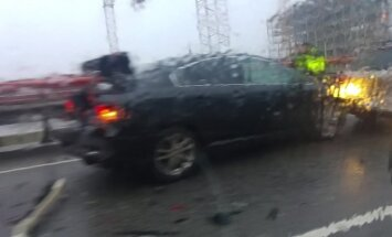 Video: Uz Dienvidu tilta avarē četri auto