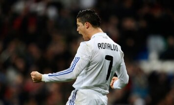 Kārtējā 'El Classico' Spānijas kausa pusfinālā uzvar Madrides 'Real'