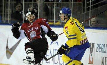 Latvijas hokejisti savā laukumā atkārtoti uzņem Zviedrijas valstsvienību