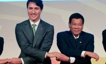 Duterte atklāj, ka reiz apsvēris kļūt par biseksuāli
