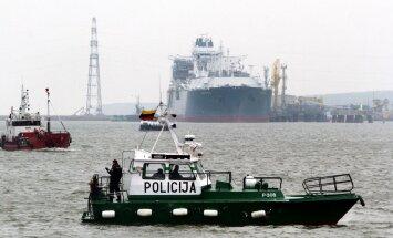 Avāriju Baltijas jūrā piedzīvojušais prāmis sasniedzis Klaipēdas ostu