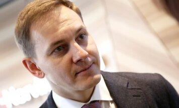 Guseļņikovs pārņem savā tiešā kontrolē 'Norvik bankas' meitasuzņēmumu 'Vjatka bank'