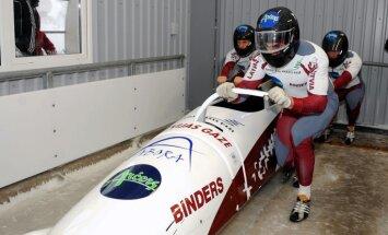 Melbārdis/Dreiškens un Šici triumfē Latvijas čempionātā bobslejā un kamaniņu sportā divnieku ekipāžām