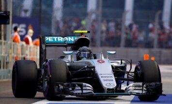 Rosbergs uzvar F-1 Singapūras 'Grand Prix' kvalifikācijas sacensībās