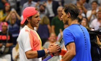 Nadals 'US Open' astotdaļfinālā negaidīti zaudē francūzim Puijē