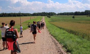 Nedēļas nogalē aicina pievienoties pārgājieniem Latvijas simtgades projektā '1836 ceļš'