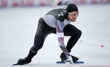 Ātrslidotājs Silovs izcīna septīto vietu pasaules čempionātā daudzcīņā