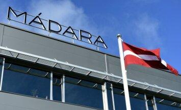 Foto: Rudens raža uzņēmumos – piestātne lidostā, ražotne Igaunijā, pārslu fabrika Dobelē