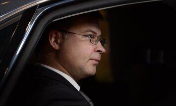 Представитель Великобритании в ЕK подал в отставку, портфель передан Домбровскису