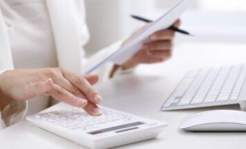 nauda rēķini sieviete kalkulators izdevumi