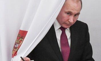 Foto: Krievijā vēlē prezidentu