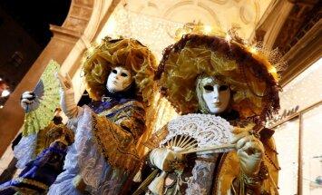 Foto: Venēcijā pilnā krāšņumā notiek slavenais karnevāls