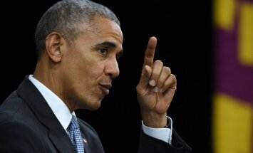 Obama pretēji tradīcijām pieļauj kritizēt Trampa darbu prezidenta krēslā