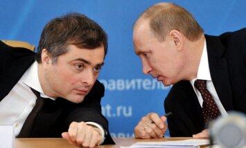 'Krievijas Gēbelss': kas ir propagandas aparāta smadzenes Vladislavs Surkovs