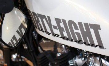 Ar 100 gados vērienīgākajām pārmaiņām nāk jaunie 'Harley-Davidson' modeļi