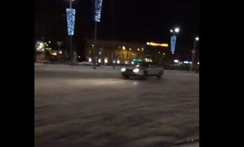 ВИДЕО: Неудачный дрифт на стоянке Т/Ц, или как встретились два одиноких BMW