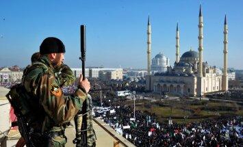 Krievijas Nacionālās gvardes virsnieks Čečenijā sarīko asiņainu apšaudi