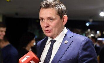 Vēlētāju favorīti – Dombrovskis un Kaimiņš; visvairāk svītrojumu – Rasnačam, Strīķei un Kivičam
