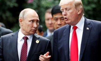 Baltais nams plāno Trampa un Putina tikšanos, ziņo laikraksts