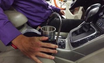 'Ford' automobilī uzstādījis dzeramā ūdens krānu