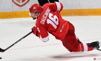 Daugaviņam un Karsumam kopā pieci punkti Maskavas 'Spartak' graujošā uzvarā