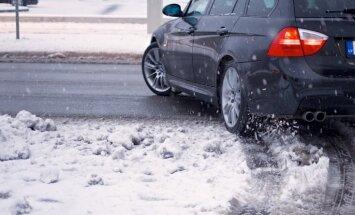 Otrdienas rītā Alūksni un Zosēnus pārklājuši četri līdz pieci centimetri sniega