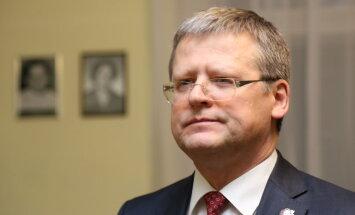 Суд оштрафовал Белевича на 120 евро за назначение сына в совет по фармацевтике