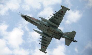 Ukraina apsūdz Krieviju kara lidmašīnas 'Su-25' notriekšanā