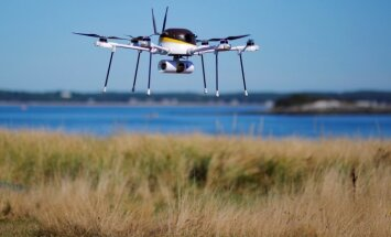 Deputāti prasīs nekavējoties veidot 'jumta likumu' bezpilota lidaparātu regulējuma uzlabošanai