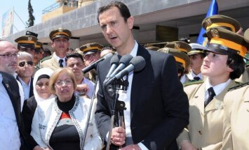 'Plaisas' Asada režīmā: aizdomās par apvērsuma plānošanu arestēts Sīrijas izlūkdienesta vadītājs