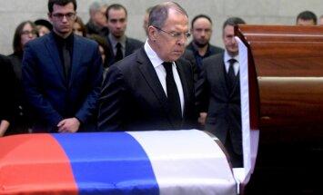 Čurkins un citi: četru mēnešu laikā pēkšņi miruši seši krievu diplomāti