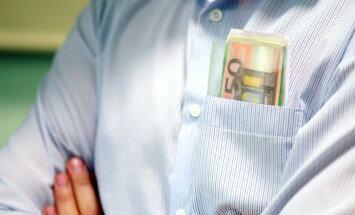 Brokeru komisija OCTA polisēm ir vismaz astoņi procenti, atklāj apdrošinātāji