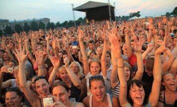 ФОТО: концерт Prāta Vētra в Елгаве собрал 28 000 зрителей