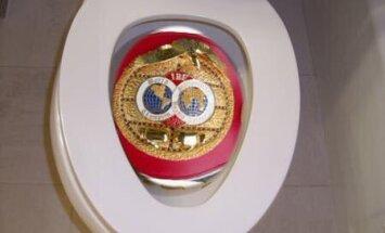 Tyson Fury, IBF toilet