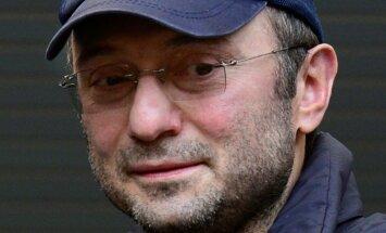 Francijā aizturētais Krievijas miljardieris Kerimovs apsūdzēts un atbrīvots