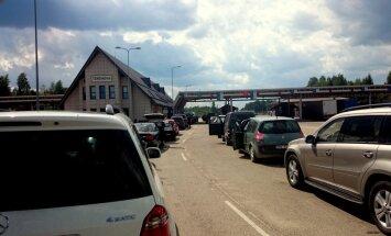 Ceļotājs sašutis par milzīgo 'korķi' robežpunktā Terehovā