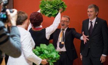 ФОТО: В Сейме отметили Лиго и поздравили Янисов