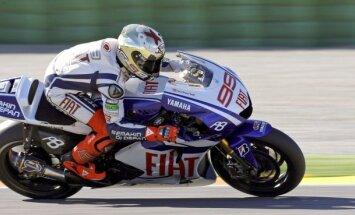 'MotoGP' čempions Lorenso lauzis atslēgas kaulu