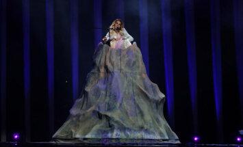 Foto: Krievijas pārstāve Jūlija iemēģina 'Eirovīzijas' skatuvi