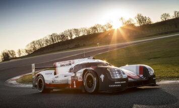 'Porsche' un 'Toyota' prezentējuši savus jaunos bolīdus Lemānas 24 stundu sacīkstēm