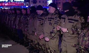 Video: Ukrainā notiek Krievijas karš pret NATO, pārliecināts brīvprātīgais no Urāliem