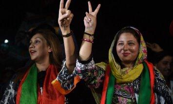 Pakistānas vēlēšanās uzvarējusi kriketa leģendas Imrana Hana partija